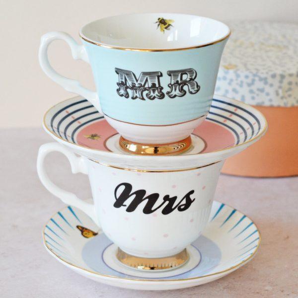 Yvonne Ellen Mr en Mrs teacups